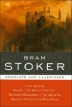 Another cover of the book The Lady of the Shroud by Bram Stoker